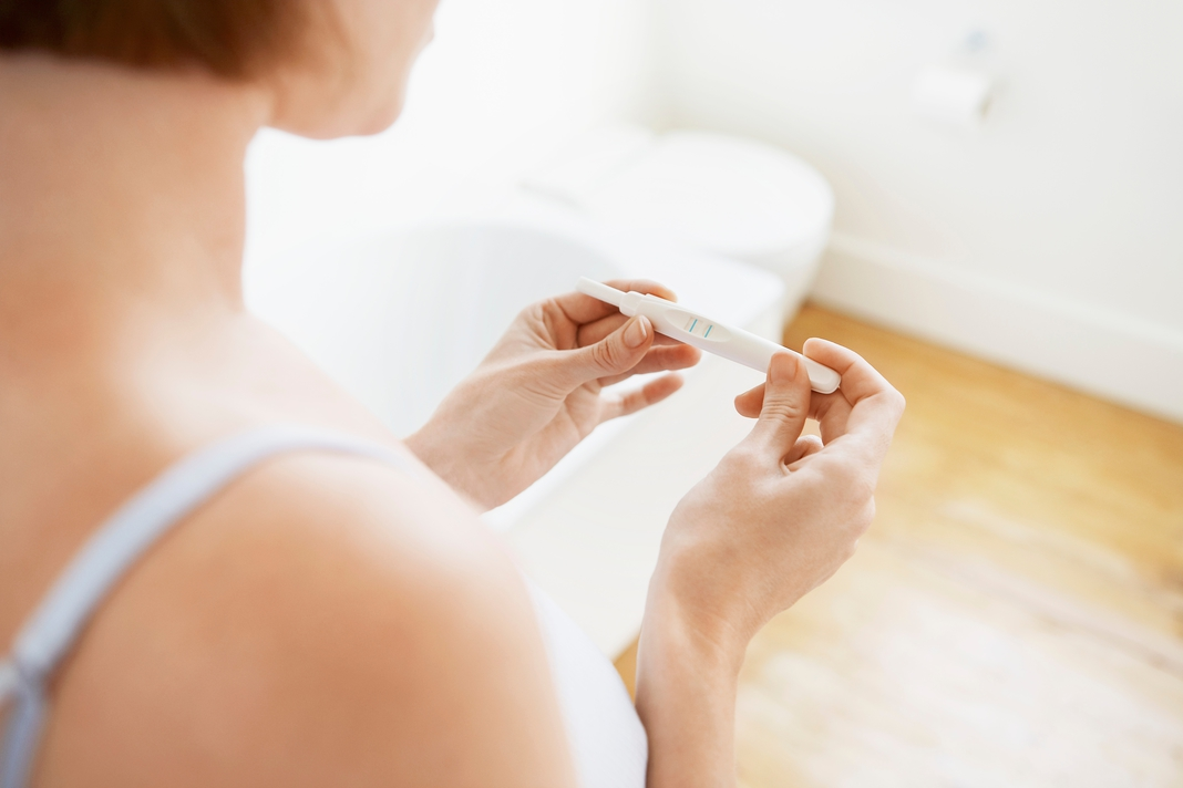 Kedy začínajú prvé príznaky tehotenstva?