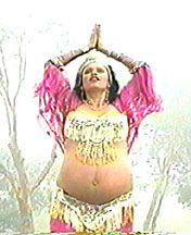 Orientálny brušný tanec tancujú budúce mamičk