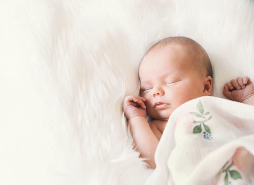 Ziadost o príspevok pri narodení treba podat po narodeni - po 28 dni.