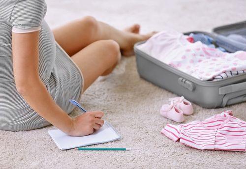 Čo všetko budete potrebovať do pôrodnice?